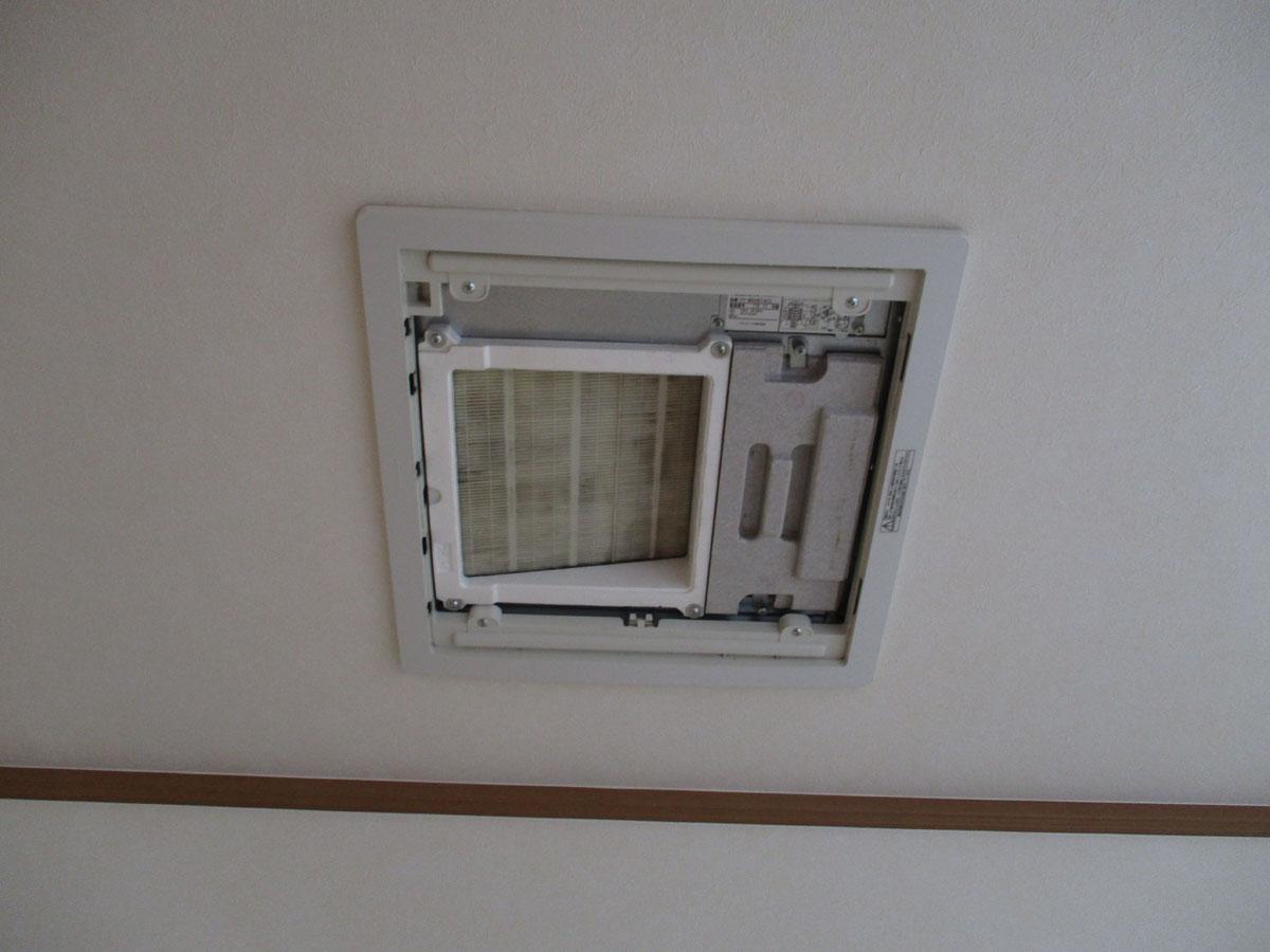 家 熱交換気ユニット 換気 フィルター 掃除 ホコリ ゴミ 虫